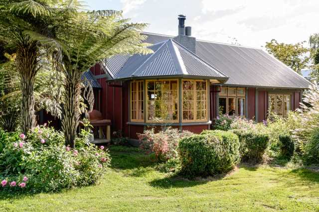 Moutere Country Cottage